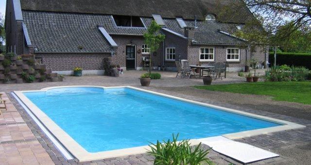 Zwembadwater behandeling waarom is dat nodig?