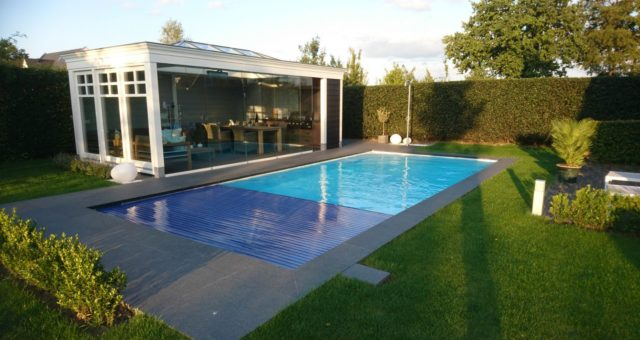 Kosten zwembad in tuin